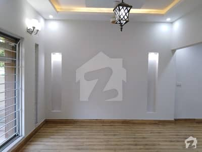 Best 10 Marla Lower Portion Is Available For Rent In Rafi Block
