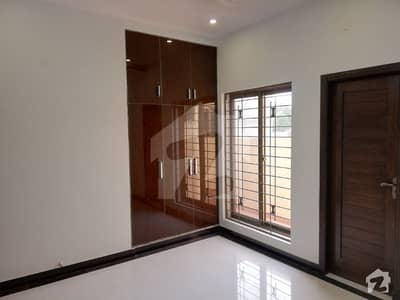 5 Marla Good Condition Upper Portion For Rent In BB Block Bahria Town