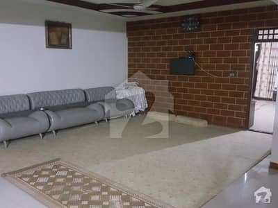 Spacious 2500  Square Feet Flat Available For Sale In Punjab Chowrangi