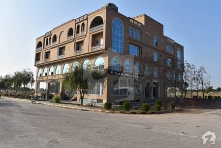 النزا مال اینڈ ریزیڈنسی گلبرگ گرینز گلبرگ اسلام آباد میں 1 کمرے کا 2 مرلہ دکان 1.75 کروڑ میں برائے فروخت۔