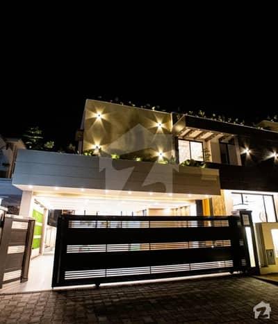 بحریہ ٹاؤن فیز 7 بحریہ ٹاؤن راولپنڈی راولپنڈی میں 7 کمروں کا 1.25 کنال مکان 10 کروڑ میں برائے فروخت۔