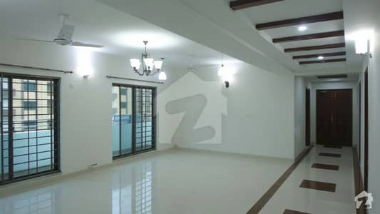 عسکری 11 عسکری لاہور میں 3 کمروں کا 10 مرلہ فلیٹ 2 کروڑ میں برائے فروخت۔