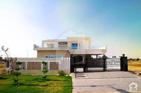 ڈی ایچ اے فیز 4 ڈیفنس (ڈی ایچ اے) لاہور میں 5 کمروں کا 1 کنال مکان 1.7 لاکھ میں کرایہ پر دستیاب ہے۔