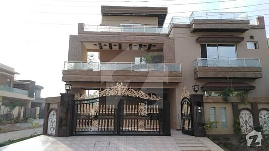 I Am Owner Of The House 1 Kanal Corner House For Sale In Opf Housing Society For Sale In Block D