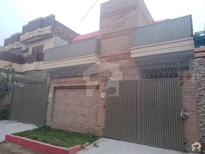 حیات آباد فیز 1 - ای3 حیات آباد فیز 1 حیات آباد پشاور میں 7 کمروں کا 10 مرلہ مکان 3.2 کروڑ میں برائے فروخت۔