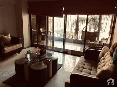 کلفٹن ۔ بلاک 5 کلفٹن کراچی میں 3 کمروں کا 7 مرلہ فلیٹ 2.75 کروڑ میں برائے فروخت۔