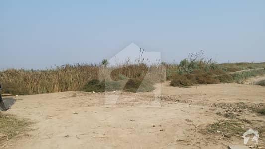 میرپور ساکرو غلام اللہ روڈ میرپورسا کرو میں 3872 کنال زرعی زمین 13 کروڑ میں برائے فروخت۔