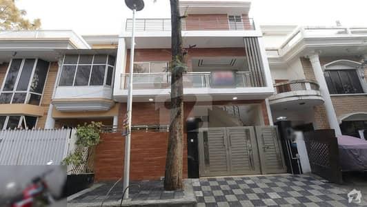 جی ۔ 11/2 جی ۔ 11 اسلام آباد میں 4 کمروں کا 4 مرلہ مکان 2.1 کروڑ میں برائے فروخت۔
