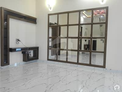 الرحمان گارڈن فیز 2 الرحمان گارڈن لاہور میں 4 کمروں کا 6 مرلہ مکان 1.2 کروڑ میں برائے فروخت۔