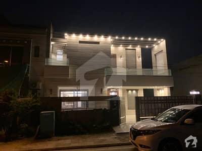 بحریہ ٹاؤن اوورسیز A بحریہ ٹاؤن اوورسیز انکلیو بحریہ ٹاؤن لاہور میں 5 کمروں کا 10 مرلہ مکان 2.75 کروڑ میں برائے فروخت۔