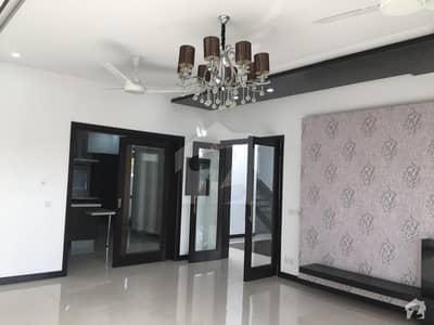 ائیر ایوینیو ۔ بلاک آر ڈی ایچ اے فیز 8 سابقہ ایئر ایوینیو ڈی ایچ اے فیز 8 ڈی ایچ اے ڈیفینس لاہور میں 3 کمروں کا 10 مرلہ بالائی پورشن 36 ہزار میں کرایہ پر دستیاب ہے۔