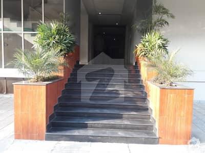 رئیل لگثری اپارٹمنٹ غازی روڈ کینٹ لاہور میں 2 کمروں کا 6 مرلہ فلیٹ 1.75 کروڑ میں برائے فروخت۔