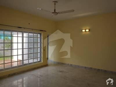 ای ۔ 7 اسلام آباد میں 4 کمروں کا 1.87 کنال مکان 5.6 لاکھ میں کرایہ پر دستیاب ہے۔