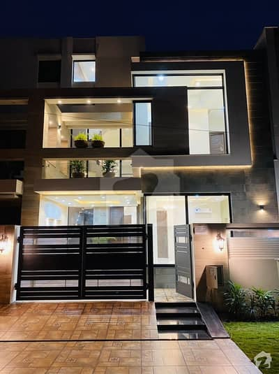 5 Marla Designer House For Sale In Good Location Of Bahria Town Lahore Block Aa
