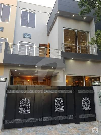 بحریہ ٹاؤن ۔ بلاک سی سی بحریہ ٹاؤن سیکٹرڈی بحریہ ٹاؤن لاہور میں 3 کمروں کا 5 مرلہ مکان 44 ہزار میں کرایہ پر دستیاب ہے۔