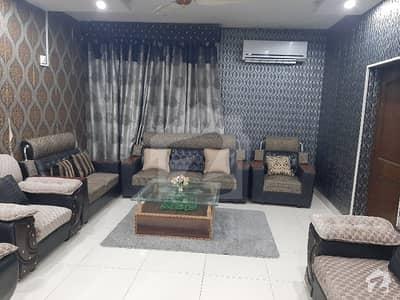مدینہ ٹاؤن فیصل آباد میں 5 کمروں کا 10 مرلہ مکان 2.75 کروڑ میں برائے فروخت۔