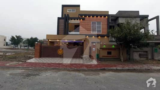 Direct Owner Lavish 10 Marla House In Bahria Town Lahore