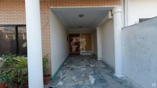 40x80 Double Storey House Is Available For Sale