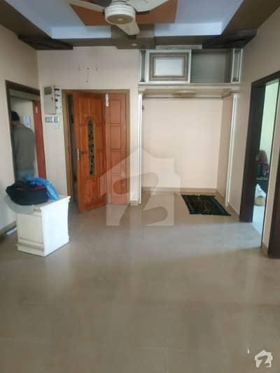 پی ای سی ایچ ایس بلاک 2 پی ای سی ایچ ایس جمشید ٹاؤن کراچی میں 2 کمروں کا 7 مرلہ بالائی پورشن 55 ہزار میں کرایہ پر دستیاب ہے۔