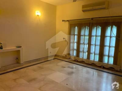 1 Kanal House For Rent Gulberg 5 Bedroom With Attached Washroom