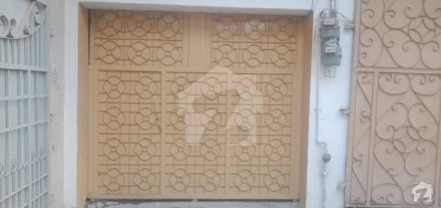 گلبرگ پشاور میں 3 کمروں کا 6 مرلہ مکان 27 ہزار میں کرایہ پر دستیاب ہے۔