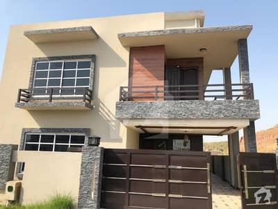 بحریہ ٹاؤن فیز 8 ۔ بلاک آئی بحریہ ٹاؤن فیز 8 بحریہ ٹاؤن راولپنڈی راولپنڈی میں 5 کمروں کا 16 مرلہ مکان 2.15 کروڑ میں برائے فروخت۔