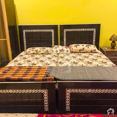 کالج روڈ لاہور میں 4 کمروں کا 12 مرلہ پینٹ ہاؤس 6 ہزار میں کرایہ پر دستیاب ہے۔