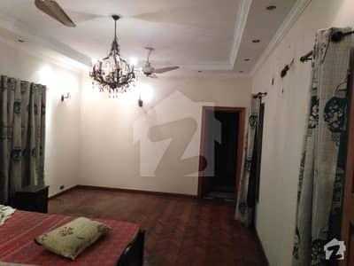 ڈی ایچ اے فیز 2 ڈیفنس (ڈی ایچ اے) لاہور میں 6 کمروں کا 2 کنال مکان 2 لاکھ میں کرایہ پر دستیاب ہے۔