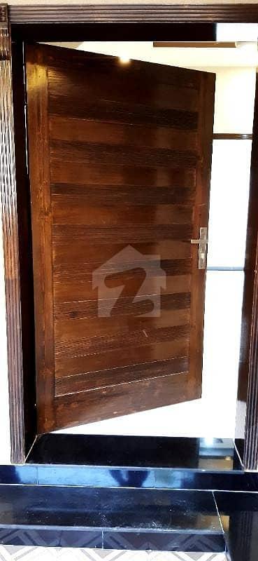بحریہ ٹاؤن رفیع بلاک بحریہ ٹاؤن سیکٹر ای بحریہ ٹاؤن لاہور میں 3 کمروں کا 5 مرلہ مکان 1.28 کروڑ میں برائے فروخت۔