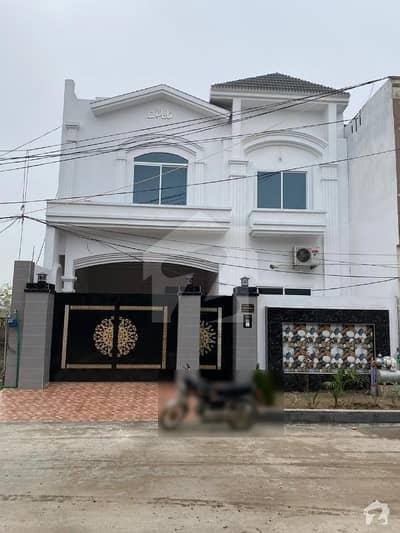 گلستان ٹاؤن ڈسکہ میں 9 کمروں کا 10 مرلہ مکان 2.15 کروڑ میں برائے فروخت۔