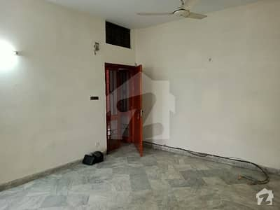 Rent Estate Offer 4 Marla 2nd Floor Apartment