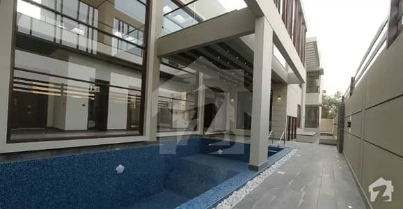 ڈی ایچ اے فیز 6 ڈی ایچ اے کراچی میں 6 کمروں کا 2 کنال مکان 27 کروڑ میں برائے فروخت۔