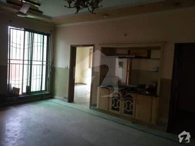 پی آئی اے ہاؤسنگ سکیم ۔ بلاک اے پی آئی اے ہاؤسنگ سکیم لاہور میں 2 کمروں کا 10 مرلہ بالائی پورشن 35 ہزار میں کرایہ پر دستیاب ہے۔