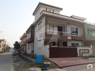 30 X 60 Duplex House For Sale