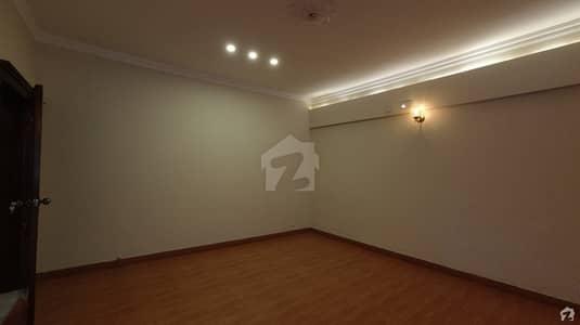 14 Marla House In Model Town Is Best Option