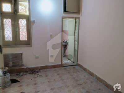ماڈل ٹاؤن ۔ بلاک ایم ماڈل ٹاؤن لاہور میں 2 کمروں کا 10 مرلہ بالائی پورشن 43 ہزار میں کرایہ پر دستیاب ہے۔