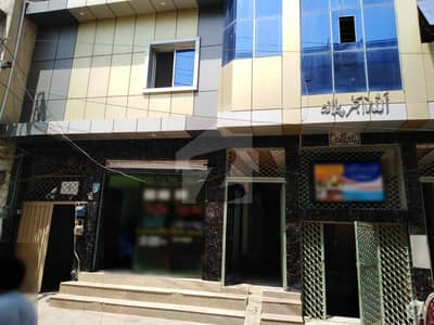 Ideally Located Room For Rent In Saddar Available