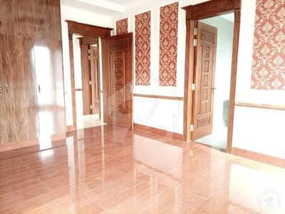 ڈی ایچ اے فیز 7 - بلاک ٹی فیز 7 ڈیفنس (ڈی ایچ اے) لاہور میں 3 کمروں کا 1 کنال بالائی پورشن 58 ہزار میں کرایہ پر دستیاب ہے۔