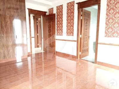 Upper Portion In Dha Defence Sized 4500  Square Feet Is Available