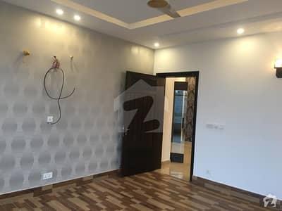 ڈی ایچ اے فیز 8 سابقہ ایئر ایوینیو ڈی ایچ اے فیز 8 ڈی ایچ اے ڈیفینس لاہور میں 4 کمروں کا 1 کنال مکان 3.15 کروڑ میں برائے فروخت۔