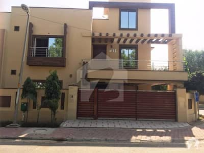 10 Marla House For Rent In Jasmine Block Sector C Bahria Town