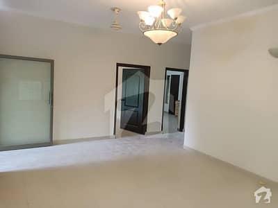 عسکری 10 - صیکٹر ای عسکری 10 عسکری لاہور میں 3 کمروں کا 10 مرلہ مکان 70 ہزار میں کرایہ پر دستیاب ہے۔