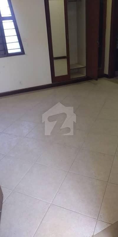 ڈی ایچ اے فیز 7 ڈی ایچ اے کراچی میں 5 کمروں کا 1.16 کنال مکان 8.5 کروڑ میں برائے فروخت۔