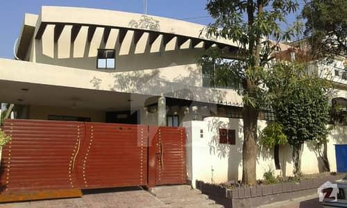 بحریہ ٹاؤن فیز 6 بحریہ ٹاؤن راولپنڈی راولپنڈی میں 6 کمروں کا 1 کنال مکان 4.2 کروڑ میں برائے فروخت۔