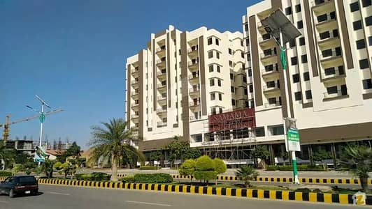 770 Square Feet Flat In Gulberg Is Available