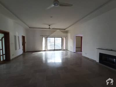 2 Kanal Upper Portion Available For Rent With Electronic Gate And Modern Bathroom