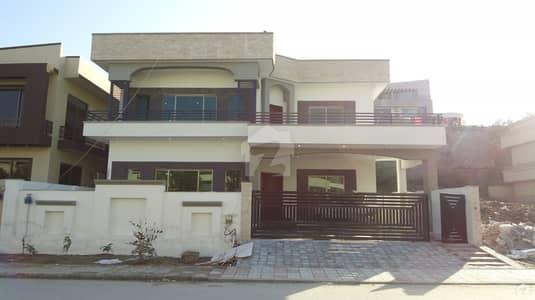 ڈی ایچ اے ڈیفینس فیز 2 ڈی ایچ اے ڈیفینس اسلام آباد میں 6 کمروں کا 1 کنال مکان 1.7 لاکھ میں کرایہ پر دستیاب ہے۔