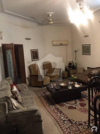 پی جی ای سی ایچ ایس فیز 1 - بلاک بی 1 پی جی ای سی ایچ ایس فیز 1 پنجاب گورنمنٹ ایمپلائیز سوسائٹی لاہور میں 6 کمروں کا 1 کنال مکان 3.55 کروڑ میں برائے فروخت۔