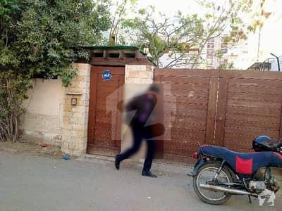 کلفٹن ۔ بلاک 8 کلفٹن کراچی میں 1 کنال دفتر 3.15 لاکھ میں کرایہ پر دستیاب ہے۔
