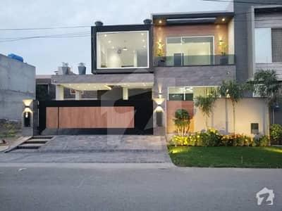 بحریہ ٹاؤن فیز 4 بحریہ ٹاؤن راولپنڈی راولپنڈی میں 5 کمروں کا 12 مرلہ مکان 3.45 کروڑ میں برائے فروخت۔